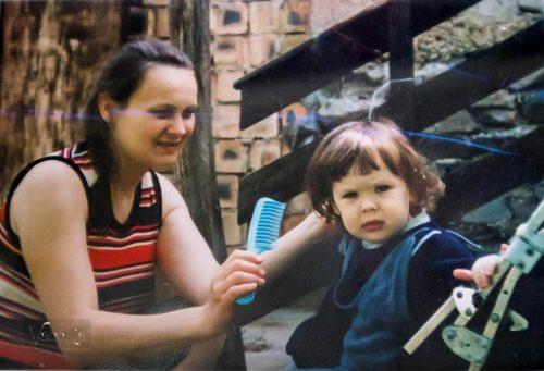 Már kétévesen se szerettem, ha lefotóznak