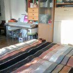 A leendő beépített szekrény helyére süt a nap délután - ennyire fényes az északkeleti fekvésű lakás