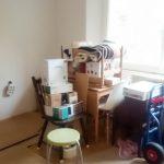 A jobb szélső bútor a telefonasztalka, amit nemsoká felújítok