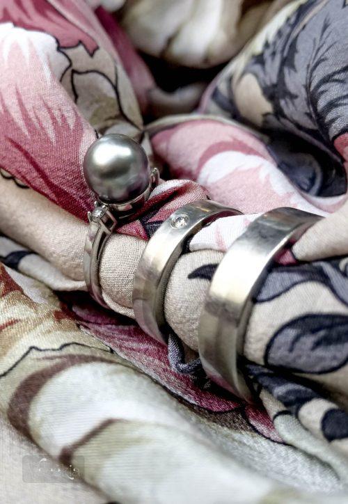 A gyöngyös csinosabb, a karikagyűrűk viszont masszívabbak