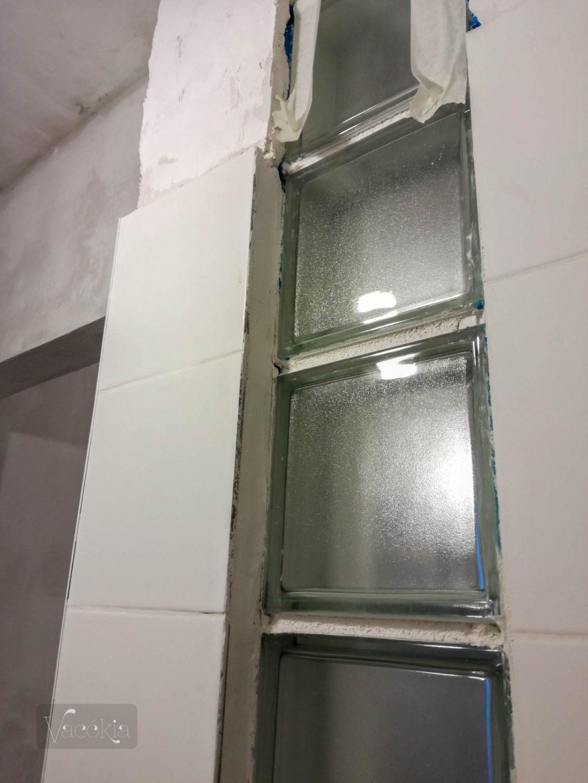 A fürdőszoba felől így nézett ki...